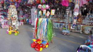Tradizionali fascette in vendita al mercatino di San Cosimo